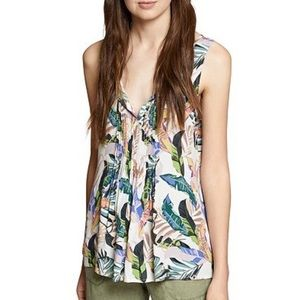 Sanctuary Pleated Tropical-Print Sleeveless Blouse